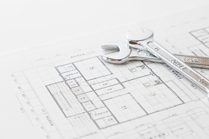 設計図と工具