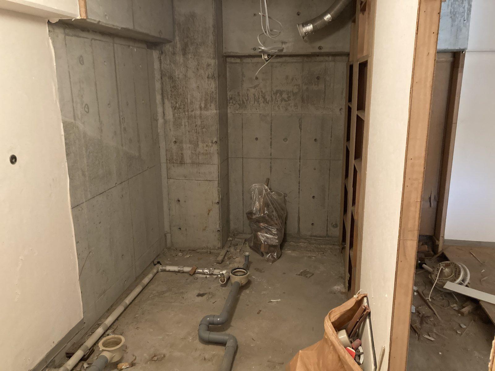 マンションリノベ 解体後 浴室